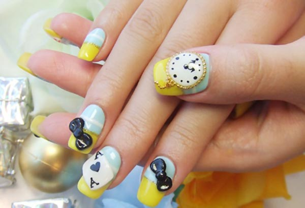 alice in wonderland whimsical nails