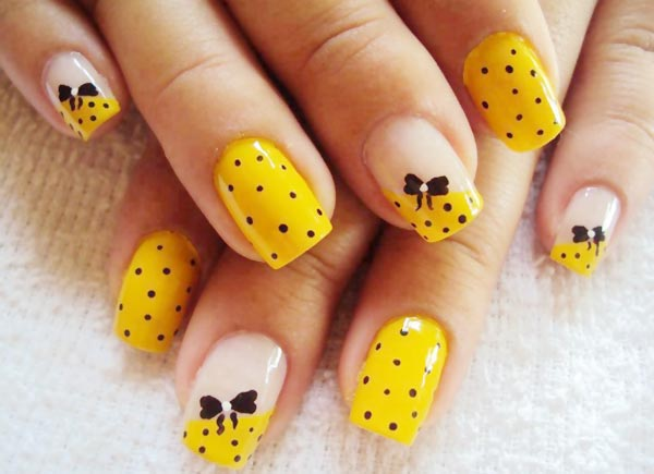 black dots bows yellow nails