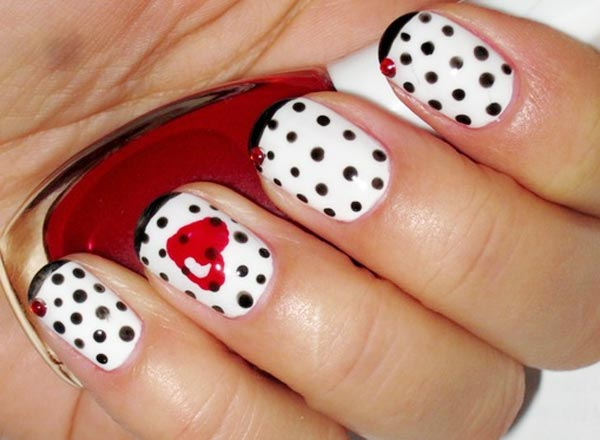 black dots heart accent french nails
