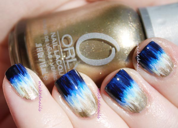 blue bronze gradient new years nails