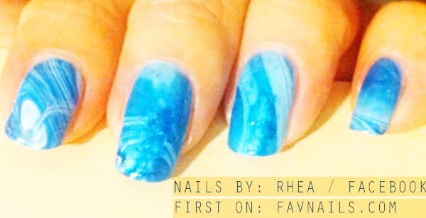 blue water summer marbled nails