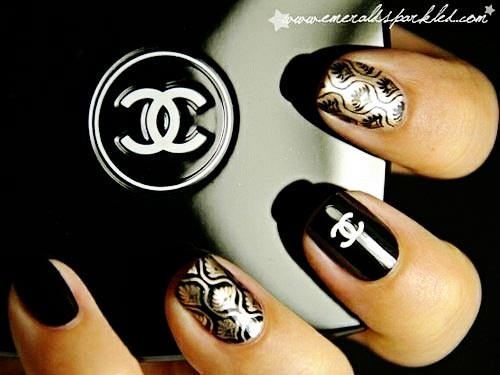 chanel black nails