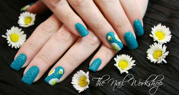 daisy emerald matte dots spring nails