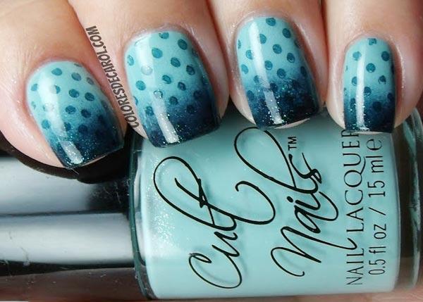 dots blue gradient nails