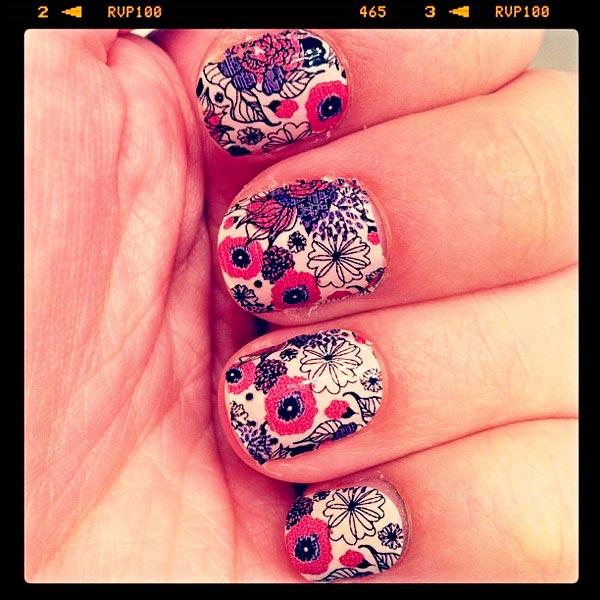 floral mix nails