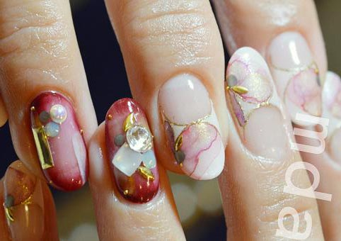 marbled flowers nails
