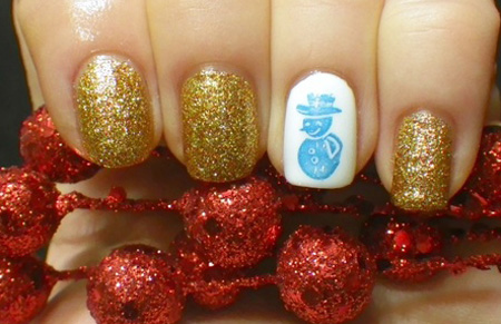 frosty golden winter nails
