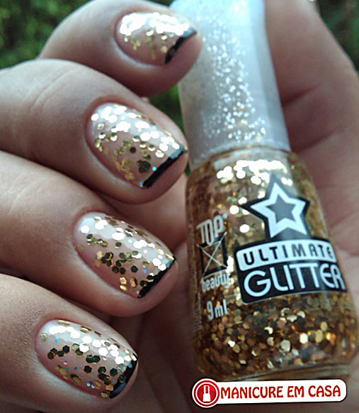 glitter new years eve party nails