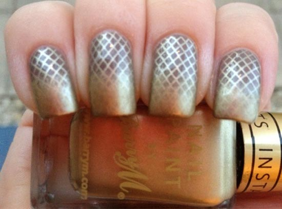 gold mesh gradient nails