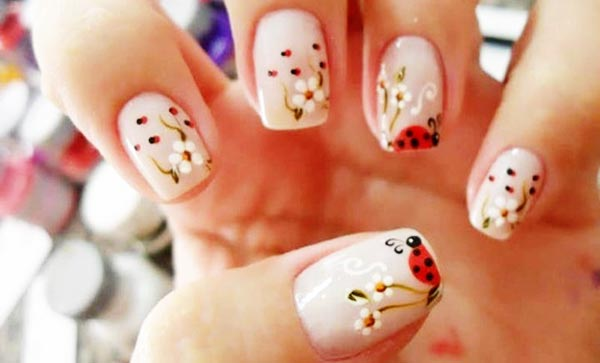 gorgeous flowers ladybugs spring nails