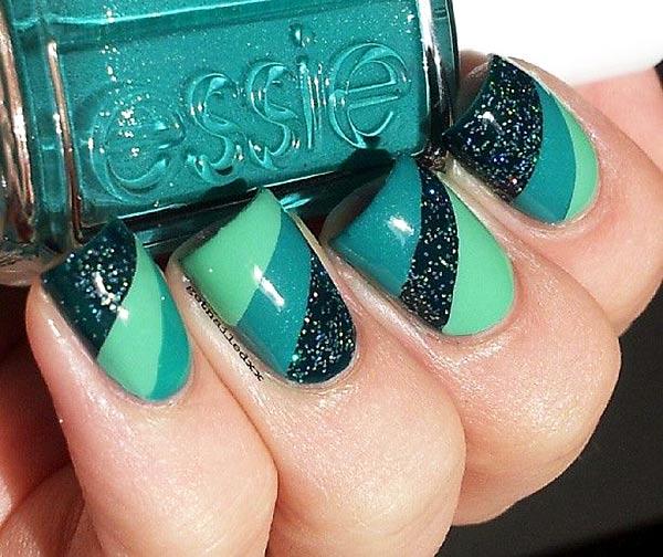 green diagonal gradient nails