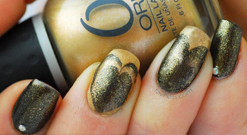 green gold heart marbled favnails valentines day nails