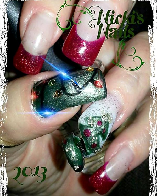 green red glitter lights tree christmas nails