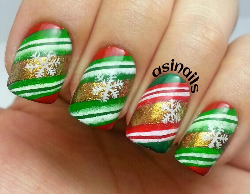 green red snowflakes christmas nails