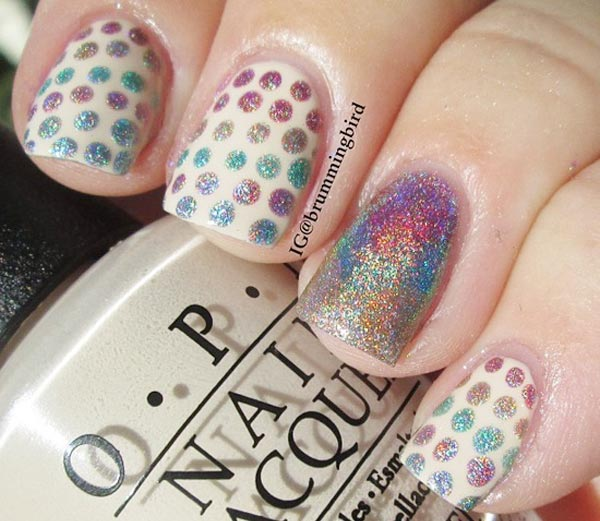 holo dots accent nail beige nails
