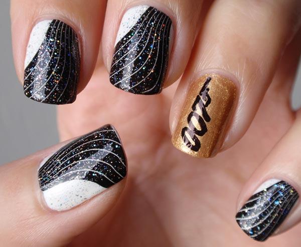 James Bond 007 nails