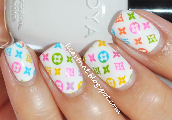 joyful colorful fashion nails