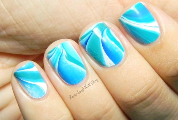 lovely blue watermarbled nails