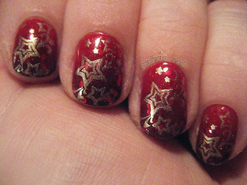red glitter gold star stamped christmas nails
