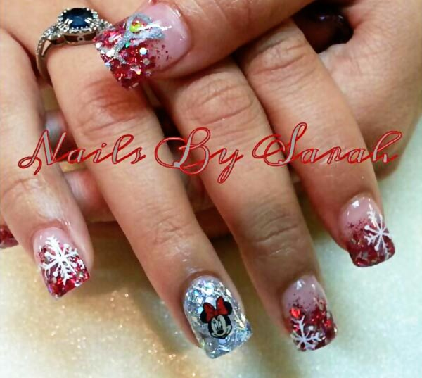red glitter gradient snowflakes disney christmas nails - Disney Christmas Nails