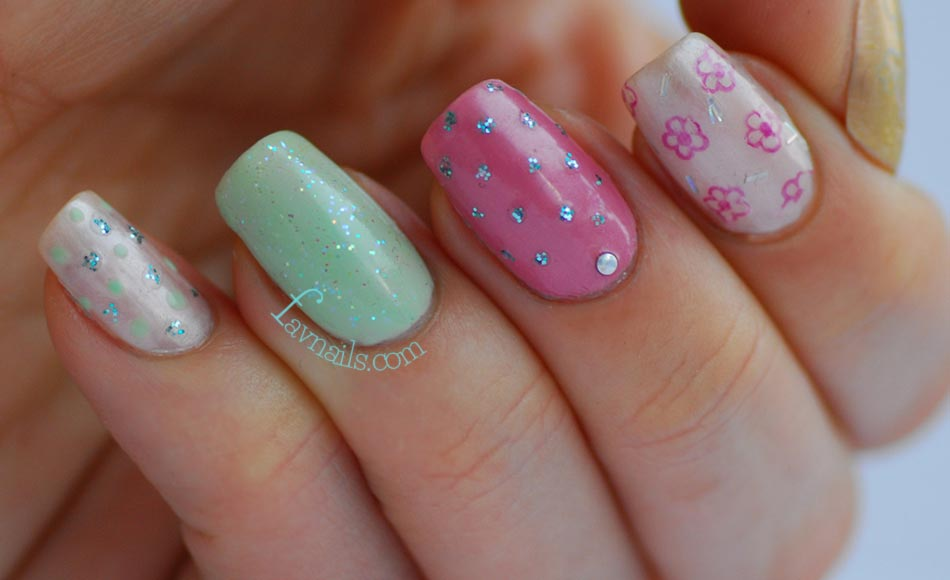 pistachio pink dotted retro girly nails