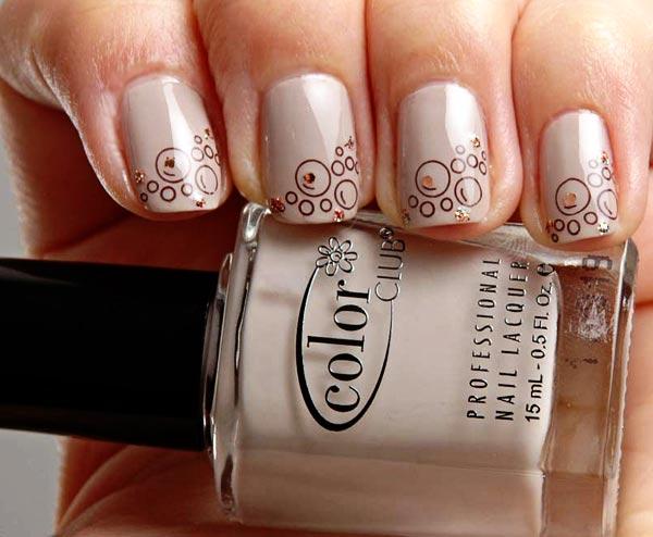 shapes on light beige nails