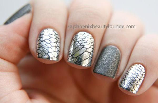 silver chrome snake nails
