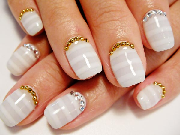soft gray white striped beads nails