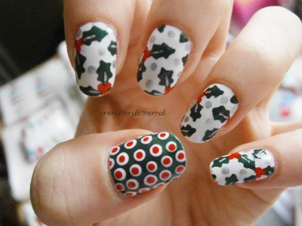 white green red Christmas nails