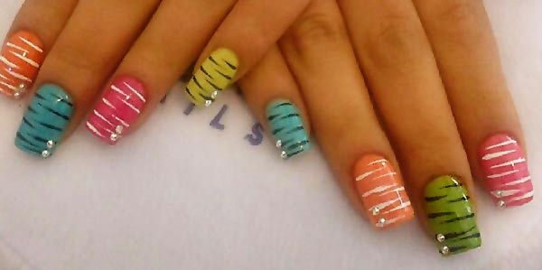 yellow blue pink tiger rhinestones nails