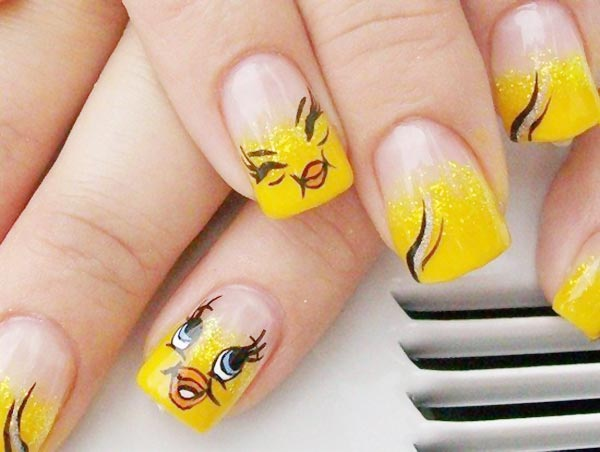 yellow gradient glitter tweety nails
